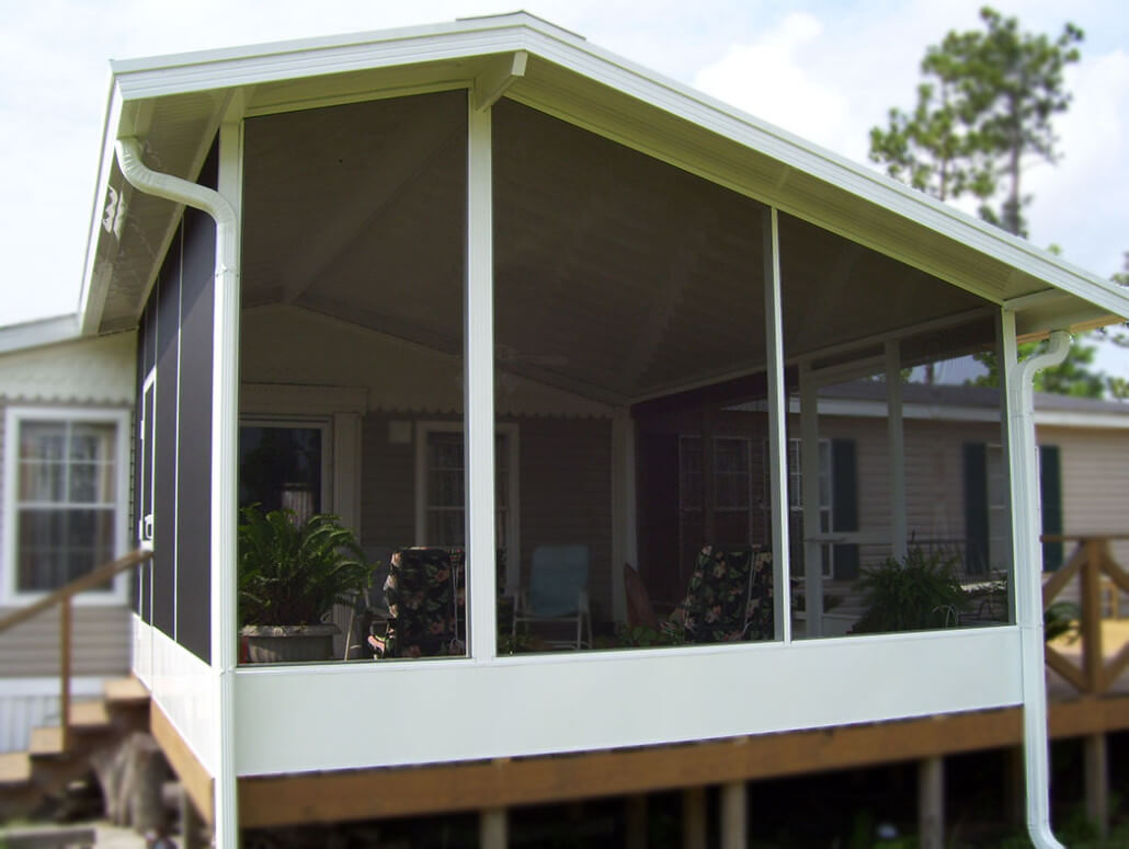 Screen room with wood deck