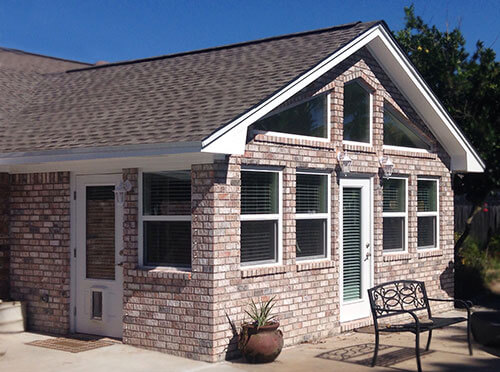 Room additions sunrooms screen rooms pensacola fl for Screen room addition plans